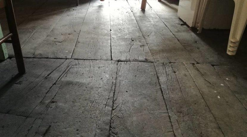 Particolare pavimento in tavole