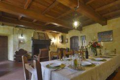 Sala pranzo - Dining room with fireplace