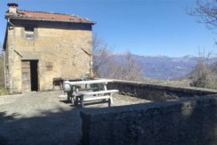 Vista frontale e terrazza
