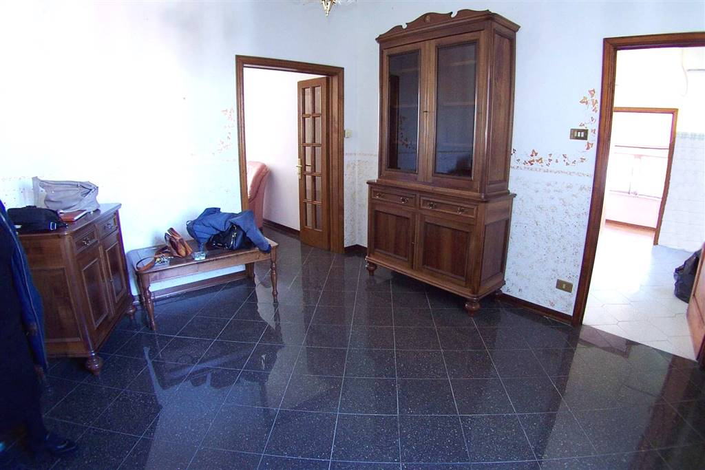 Appartamento, BARGA (LU)